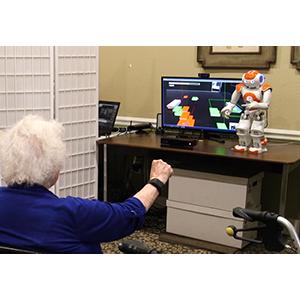 Создан робот для обучения пожилых людей