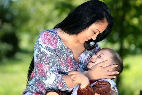 Почему важно обнимать ребёнка каждый день? Пять веских причин!