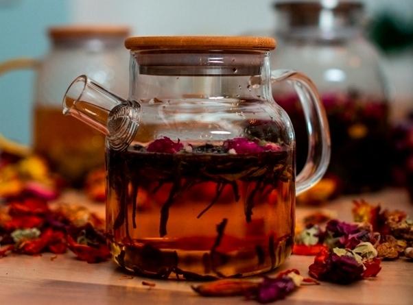 Какой заварочный чайник лучше - стеклянный, пластиковый, металлический или керамический?
