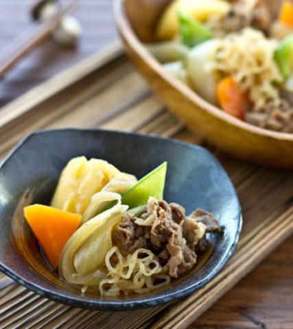 Японское блюдо Никудзяга из ширатаки