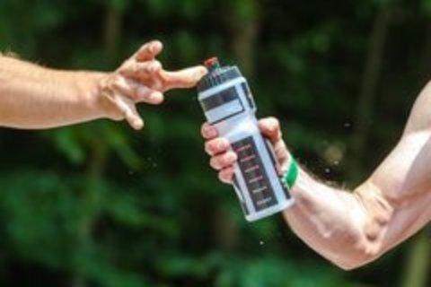 Что пить на тренировке - изотоник или воду