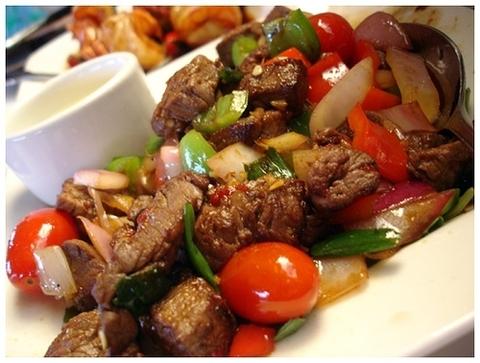 Готовое блюдо — Говядина в перечном соусе по-тайски