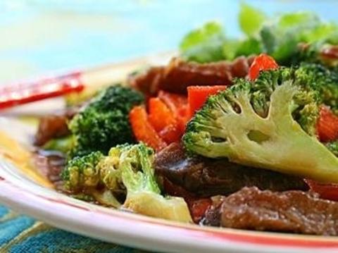 Готовое блюдо — Говядина с перцем по-тайски