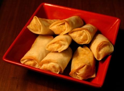 Готовое блюдо — Спринг-роллы со свининой и креветками