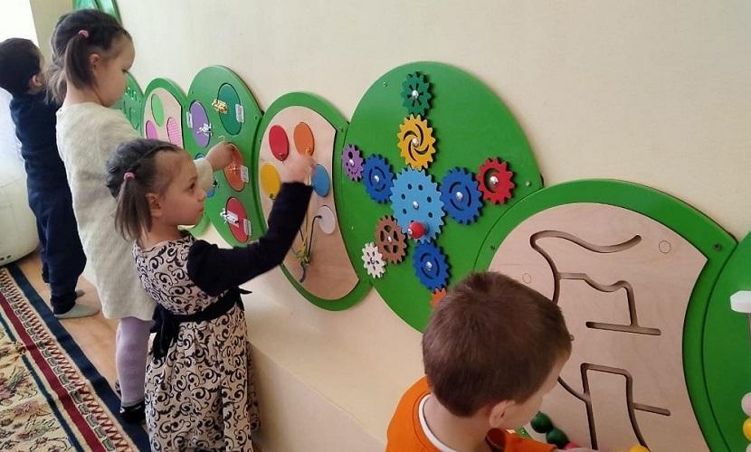 Тюменцы подарили игрушки собственного производства казахстанским детским домам