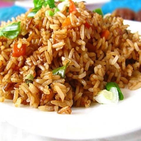 Готовое блюдо — Классический жареный рис