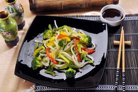 Готовое блюдо — Лапша с овощами Ясаи Яки