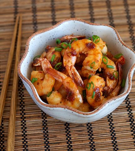 Готовое блюдо — Креветки в чесночно-перечном соусе