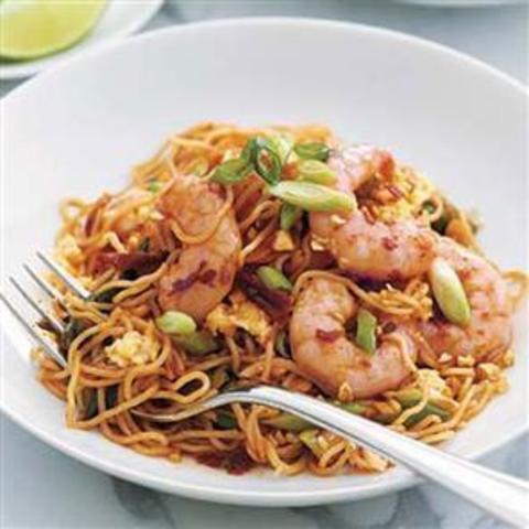 Готовое блюдо — Лапша с креветками по-китайски