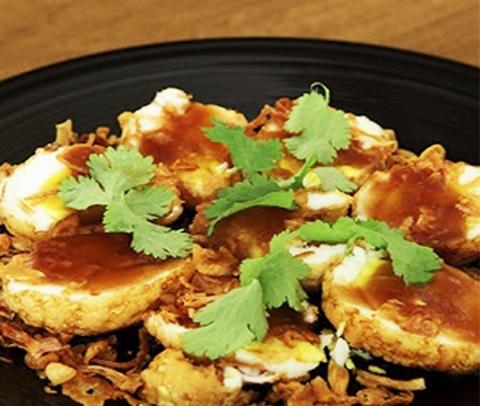 Готовое блюдо — Яйца в кисло-сладком соусе