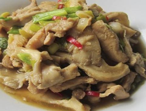 Готовое блюдо — Курица с грибами и зеленым карри