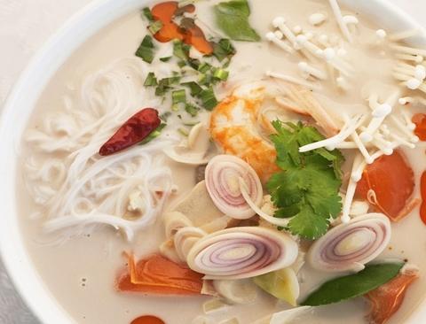Готовое блюдо — Спагетти с соусом Том Кха