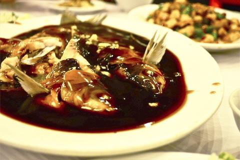 Готовое блюдо — Рыба в кисло-сладком соусе (сиху цуюй)