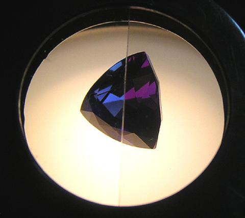 Оптические эффекты драгоценных камней. Плеохроизм.