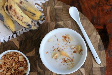 Готовое блюдо — Сладкий банановый суп (che chuoi)