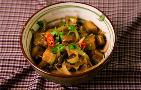 Готовое блюдо — Баклажаны с соевой пастой по-вьетнамски