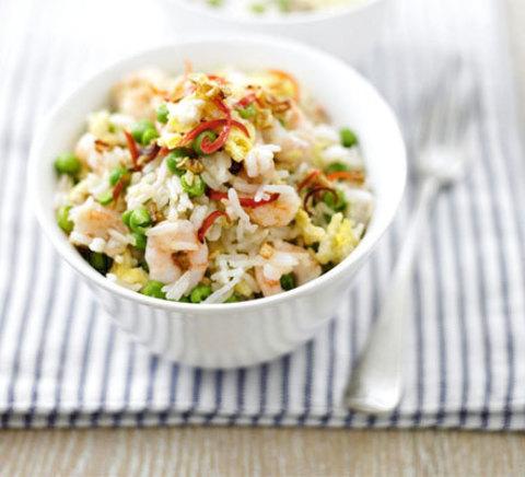 Готовое блюдо — Тайский жареный рис с креветками