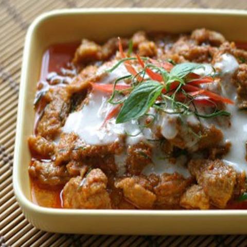 Готовое блюдо — Тайское пинанг-карри со свининой