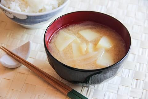 Готовое блюдо — Мисо суп с картофелем