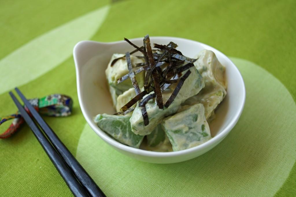 Японский салат из авакадо с васаби