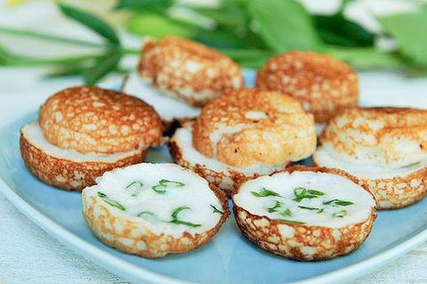Готовое блюдо — Кокосовые оладушки Кханом ба бин