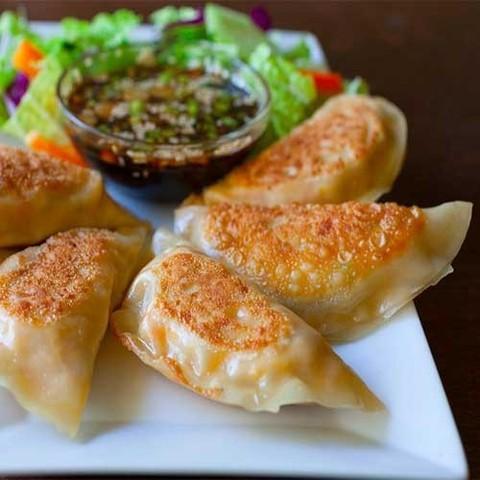 Готовое блюдо — Корейские пельмени кимчи