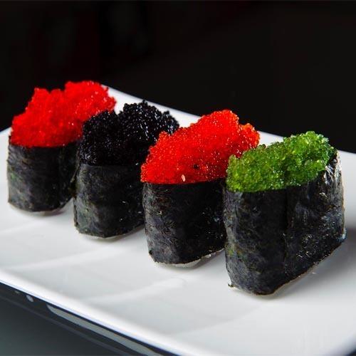 Гункан-суши с икрой летучей рыбы