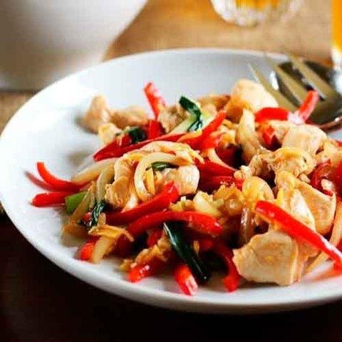 Готовое блюдо — Стир-фрай с курицей по-тайски