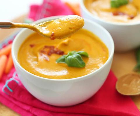 Готовое блюдо — Тайский кокосовый суп с морковью