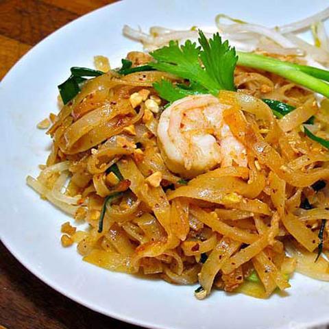 Готовое блюдо — Остро-кислая тайская лапша