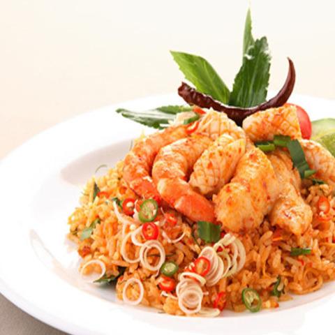 Готовое блюдо — Рис том ям с креветками