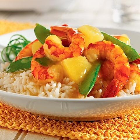 Готовое блюдо — Креветки в кисло-сладком соусе с ананасами