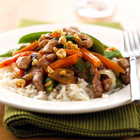 Готовое блюдо — Мясная поджарка в чесночном соусе