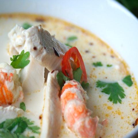 Готовое блюдо — Том кха гунг - кокосовый суп с креветками