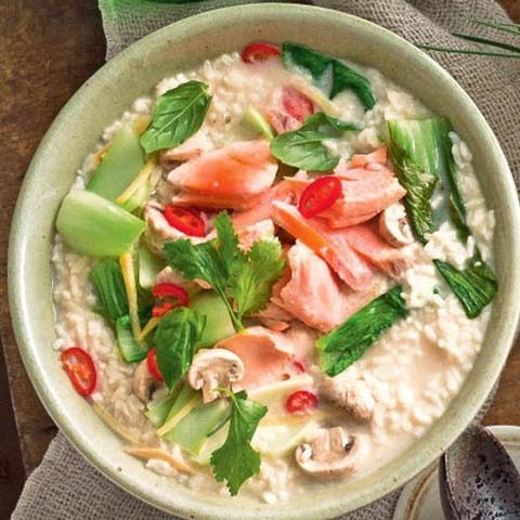 Готовое блюдо — Тайский кокосовый суп с рыбой