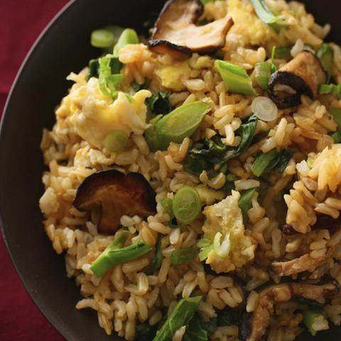 Готовое блюдо — Жареный рис с шиитаке