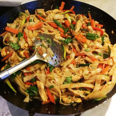 Готовое блюдо — Очень острая тайская лапша