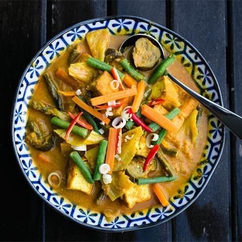 Готовое блюдо — Желтое овощное карри Саюр Лодэ