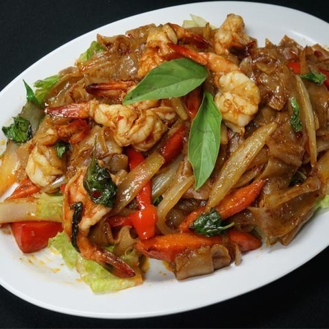 Готовое блюдо — Лапша Пад кхимау (
