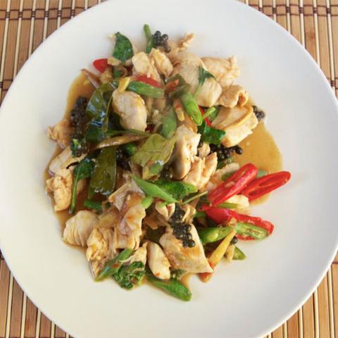 Готовое блюдо — Очень острая курица по-тайски