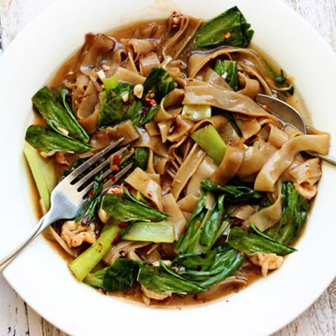 Готовое блюдо — Лапша с овощами в воке