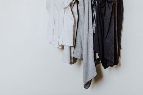 Куда отдавать одежду и другие вещи?