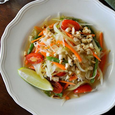 Готовое блюдо — Тайский салат Сом Там