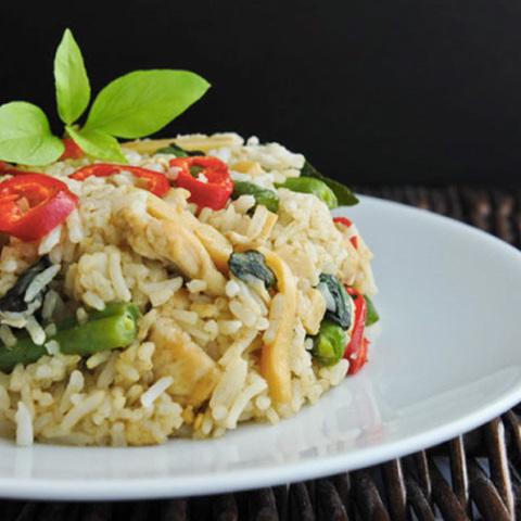 Готовое блюдо — Зеленый жареный рис