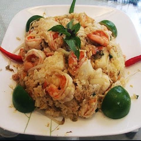 Готовое блюдо — Жареный рис с личи
