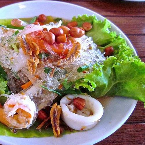 Салат из фунчозы по-тайски