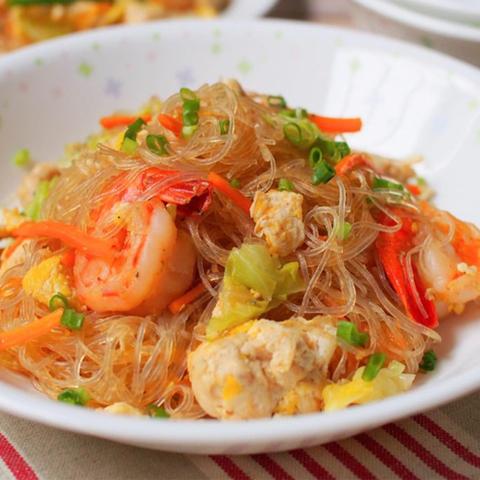 Готовое блюдо — Жареная фунчоза по-тайски