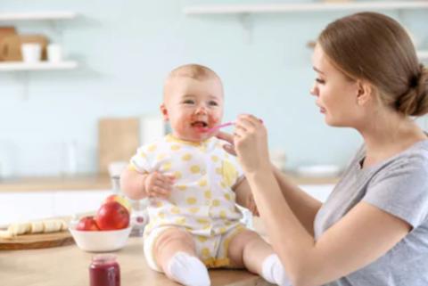 Чем и как кормить ребёнка в 7-8 месяцев?
