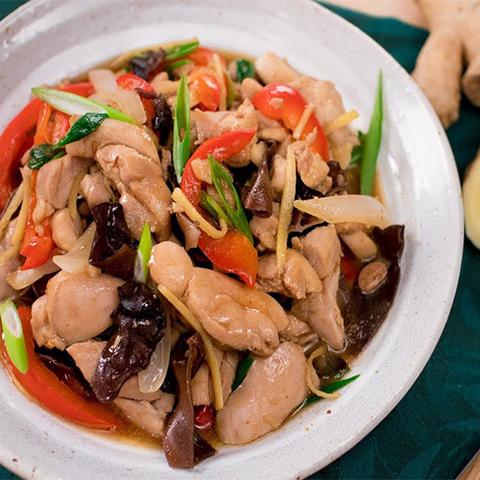 Готовое блюдо — Имбирная курица по-тайски