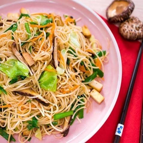 Готовое блюдо — Веганский вок с лапшой по-тайски